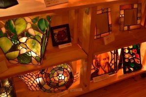 彩りと灯りのステンドグラス展