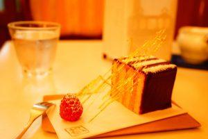 花街で食べるクラシカルな洋菓子